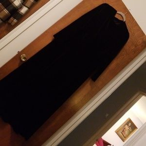 Roberta a black velvet 3X maxi  Dress long sleeved